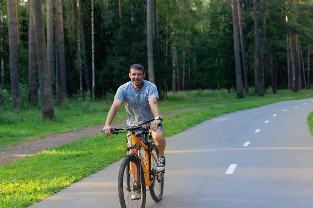 man-cycling